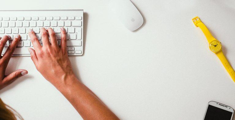 Bildungsministerin fordert Digital-Pakt für Schulen